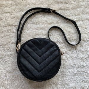 Handbags - Round Crossbody